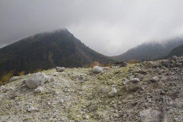 韓国岳のハイキング