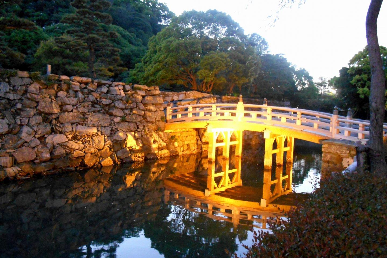 Lit-up Sukiya Bridge at dusk, beautiful!