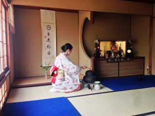 The many steps of the tea ceremony is like martial arts in practice.  Disciplined, elegant and calm.