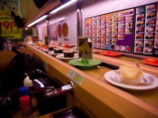 林林種種的壽司徐々送到我們的面前