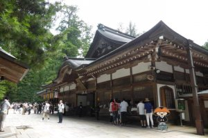 One of the many Goshuin temple locations around Koyasan. I would say that if you plan your day correctly, you can fill an entire Goshuin notebook without ever leaving Koyasan