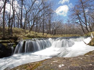 Picturesque waterfall on the way to Ryuzu Falls