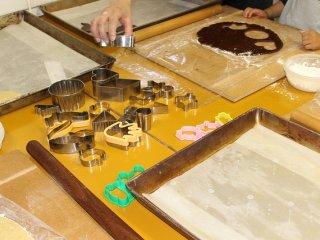 クッキー作りはチョコクッキーとバタークッキーの2種類から選べる。2つを頼んで、生地を交換しながら合わせクッキー作りもできる