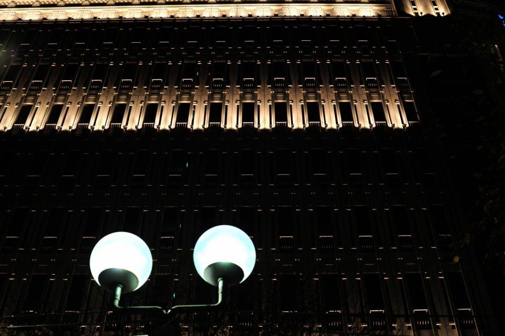 สถาปัตยกรรมที่ยอดเยี่ยมของอาคารอันดับสองและสามของโกเบ ห้างสรรพสินค็าไดมารู ตั้งอยู่ในอดีตอาคารต่างประเทศ