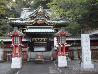 This side shrine has some newer lanterns
