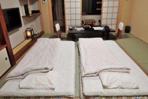 Les futons dans notre chambre étaient très confortables