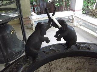 Dueling elephants on the incense burner