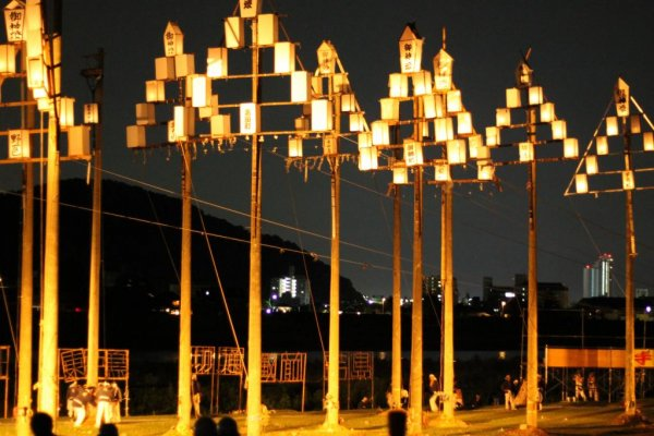 These lantern poles are called Gohei Andon.