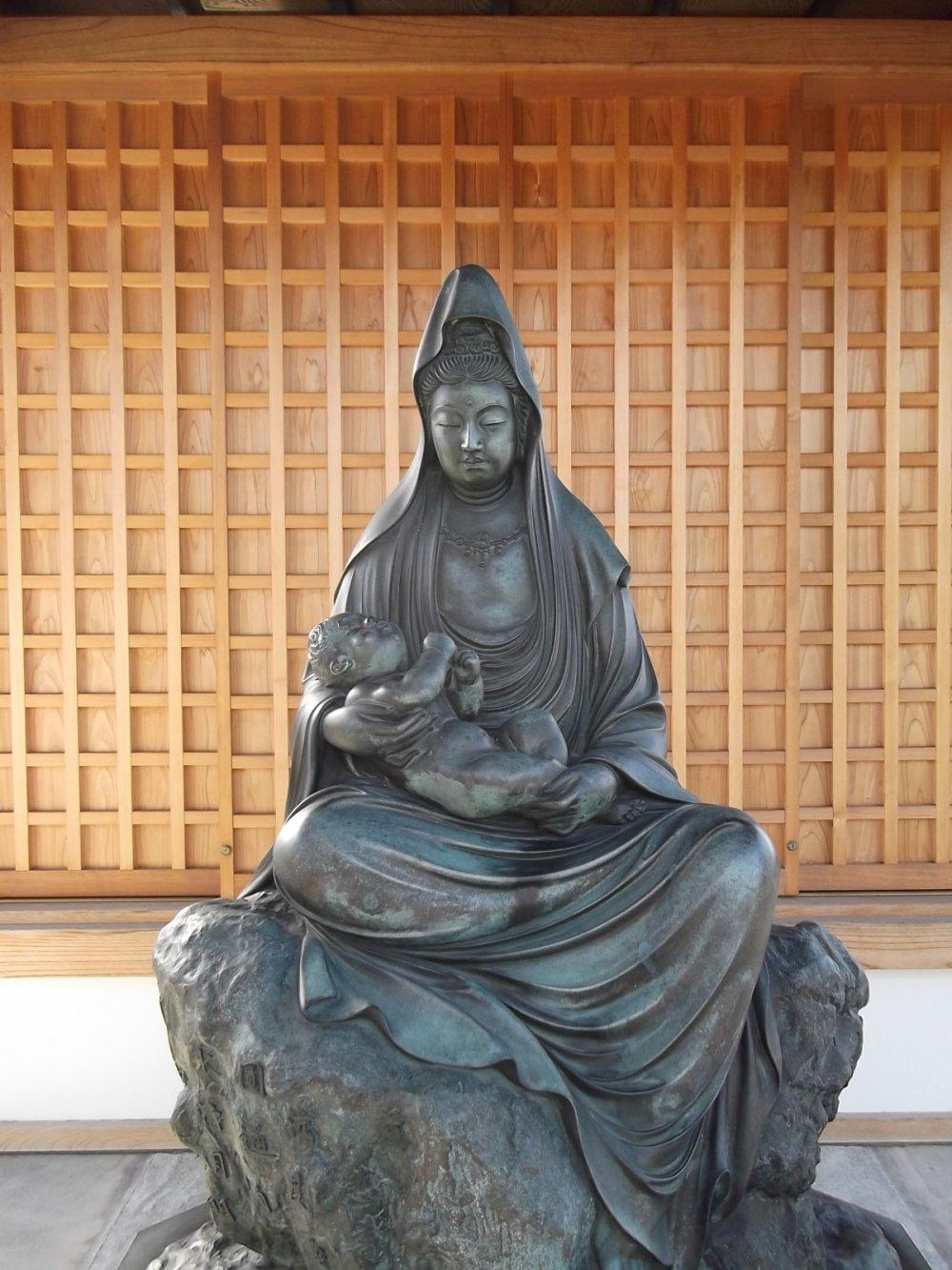 A Buddhist statue near the gate