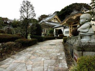 วัด Shoun-ji ไม่ค่อยมีคนรู้จัก แต่เป็นวัดที่สวยมาก