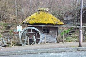 Un vieux moulin à eau