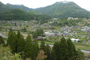 View over the Chikatsuyu-oji settlement decending from the Nakahechi trail