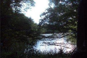 L'un des nombreux lacs le long du sentier principal