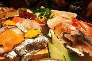Fresh fish served in Uoya Sandai Hikozô