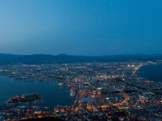 L'heure bleue sur Hakodate