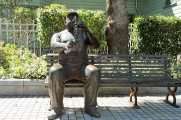 รูปปั้นแจสในโกเบ คิทะโนะ