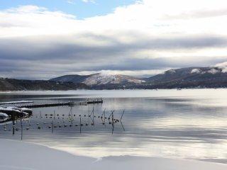 Le lac Yamanaka de bon matin