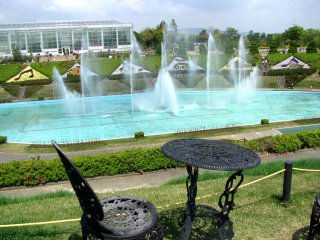 """The musical fountain in front of the """"Crystal Palace"""""""