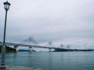 櫃石島から見た瀬戸大橋