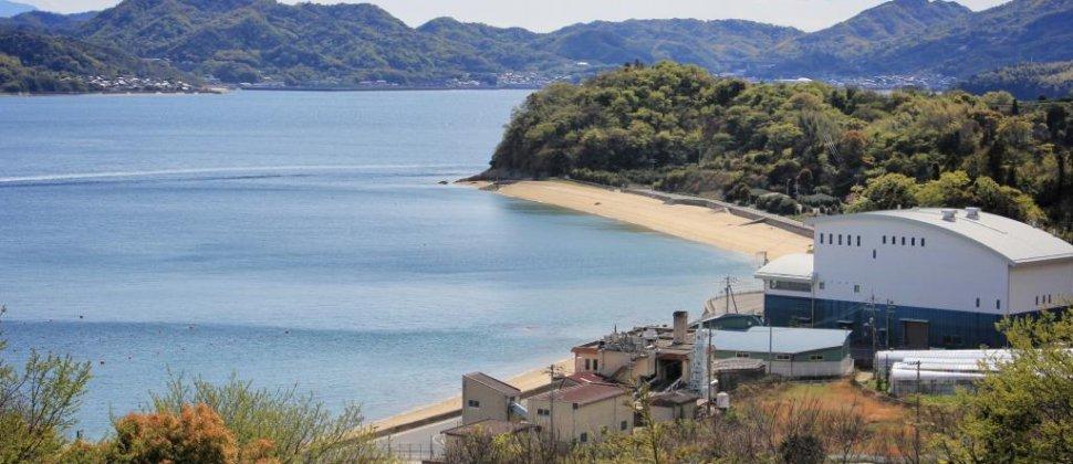 Пляж Оура на острове Хакатадзима