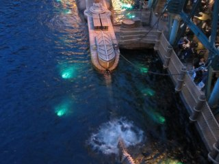 Fans of 20,000 Leagues Under the Sea will be happy to know that there is a Nautilus ride!