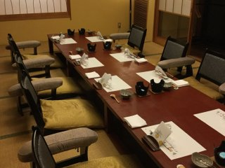 Kagetsurou has private rooms that can accommodate small and bigger groups (up to 100 people). This room looks out to a lovely Japanese garden.