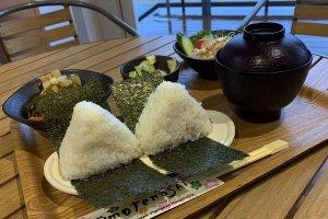 The rice ball lunch set at Roadside Station Tako Ajisai-kan