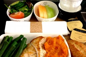 Cathay Pacific Low Salt Healthy Meal from Australia in Premium Economy Class