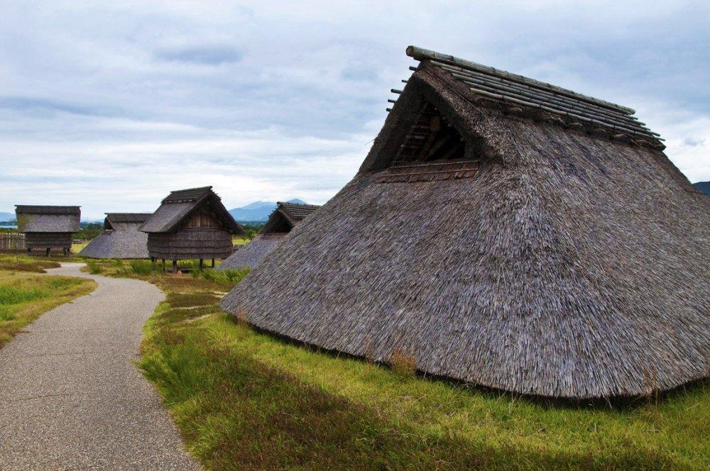 """Minami-no-mura (Village du Sud) : Ceci est la zone où les gens ordinaires appelés, """"geko"""", vivaient"""