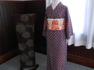 High quality silk clothes are one of the final results.