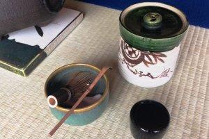 Tout dans la maison Camellia est fait pour rendre plus savoureuse encore la poudre du thé matcha de Uji