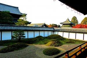 Jardim do Sul: Cinco outeiros representando os cinco importantes templos Zen
