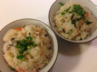 Jyushi rice is the sole side dish on the small menu and comes with radish for 130 yen each