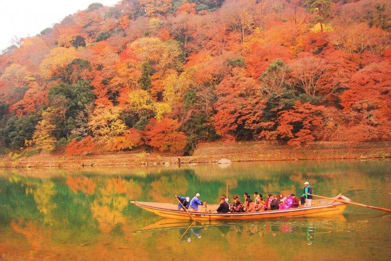 Autumn at Hozugawa River