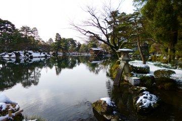 Kenrokuen สวนสวย1ใน3ของญี่ปุ่น