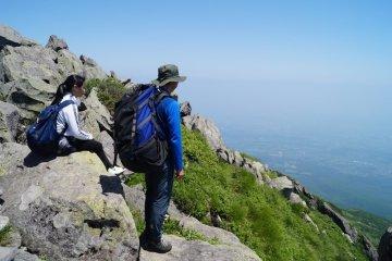 Aomori Trekking: Mt. Iwaki and Mt. Hakkoda