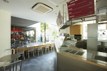 Clean view of the restaurant