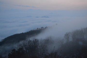<p>Underneath&nbsp;these clouds is Maizuru Bay.</p>