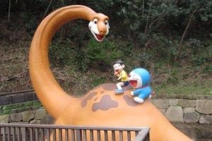 โดราเอมอน โนบิตะ และพีสุเกะ / Doraemon and his friends