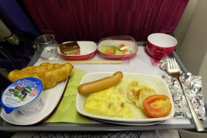 อาหารเช้าบนเครื่อง