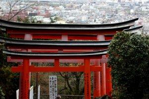จุดชมวิวบนภูเขาอินาริที่เห็นทิวทัศน์เมืองเกียวโต