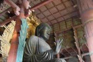พระพุทธรูปบรอนซ์ไดบุทสึความสูง 14.8 เมตรน้ำหนัก 500 ตัน