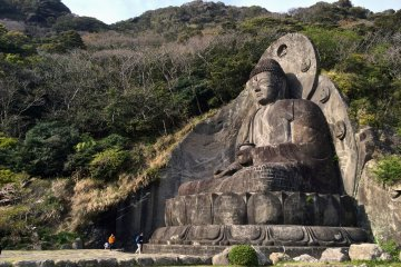 <p>Nihonji Daibutsu&nbsp;stands 31-meter-tall and is an image of Yakushi Nyorai, the Buddha of healing and medicine. It was created in the late 1700s by master artisan Jingoro Eisei Ono and his many apprentices.</p>