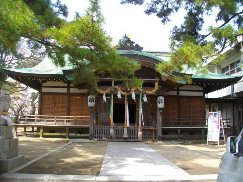 <p>Вид храма спереди</p>