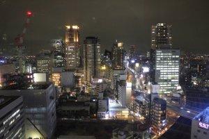 แสงไฟยามค่ำคืนของโอซาก้า