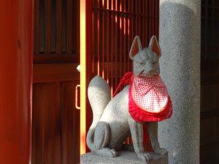 รูปปั้นคิสุเนะ (Kitsune)
