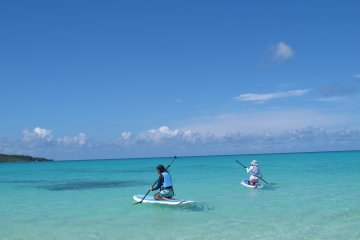 <p>Paddling out!</p>