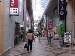 ถนนช็อปปิ้งชื่อดังของนารา Mochiidono Shopping Street