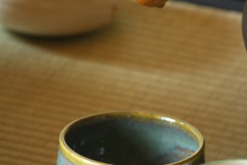 <p>柄杓和茶碗</p>