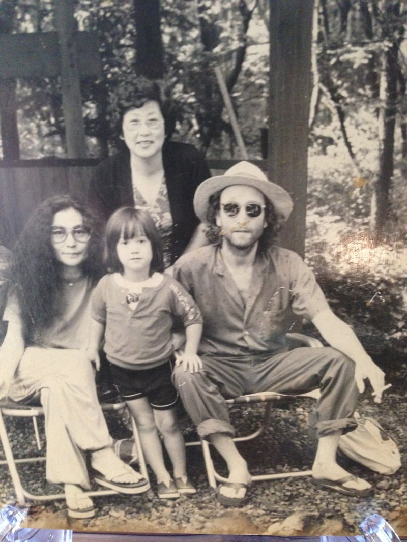 John Lennon Yoko Ono And Sean Relaxing One Afternoon In 1979 At Rizanbo The